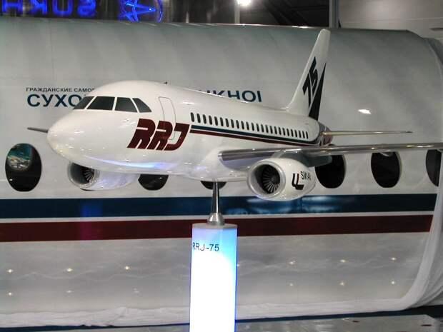Снова 75-местная версия самолета SSJ100