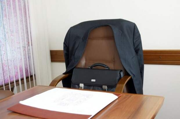 Дума Владивостока приняла отставку мэра Гуменюка