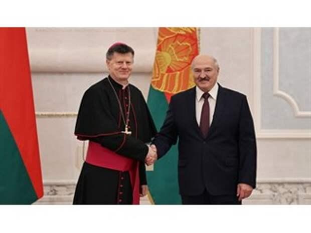 Ватикан в Белоруссии щелкнул по носу Варшаву
