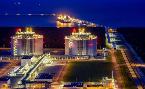 Жизнь без «Газпрома»: Польша мечется из-за задержек спуском заводов СПГ вСША