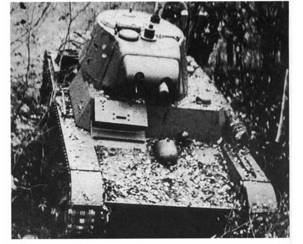 На фото – ХТ-133 на осенних маневрах КоВО, 1940 год. военная техника, военное, история, много букв, танки, танки СССР, техника, факты