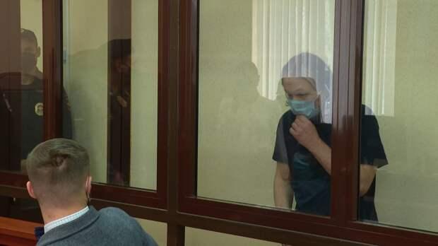 «Ударил по голове не менее 10 раз»: Присяжные признали отчима виновным в убийстве 5-летней Даши, но оправдали по статье о надругательстве