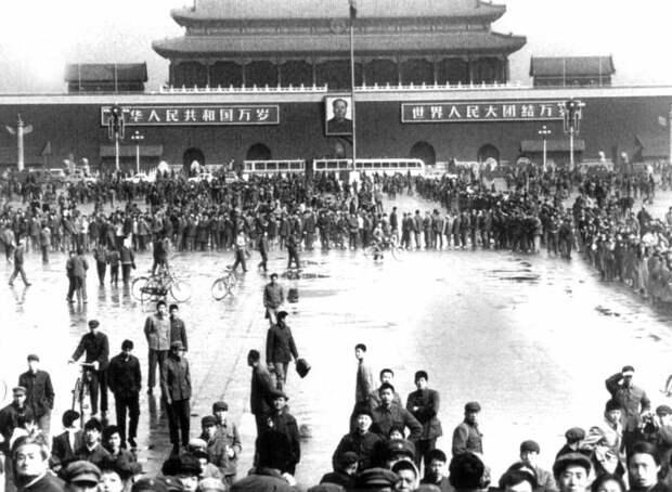 Привет, эмигранты, свободный Пекин...