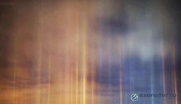 Загадочные сияющие столбы сфотографировали в небе над Новосибирском