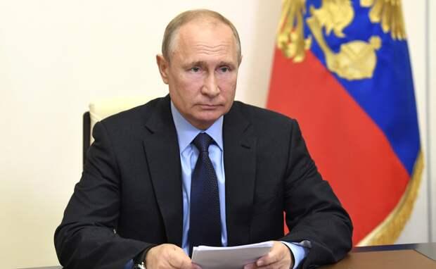 Путин призвал зачистить примазавшихся к строительной сфере
