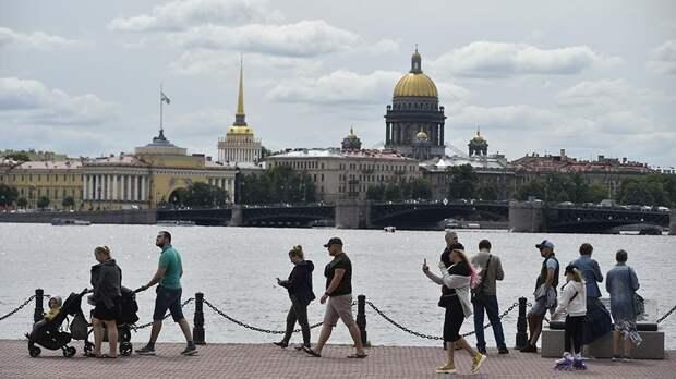 Средний чек трат туристов в Санкт-Петербурге летом обогнал Сочи
