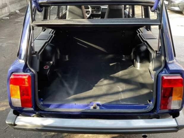 Капсула времени: новый ВАЗ-2104 простоял в гараже 20 лет