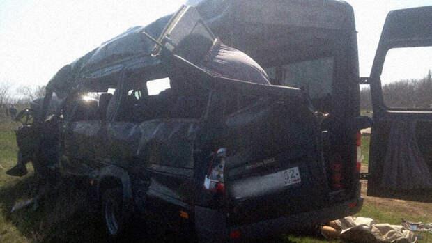 В Крыму в ДТП с электричкой и микроавтобусом погибли 5 человек 3