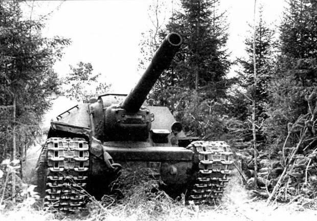 Противотанковые возможности советских самоходных артиллерийских установок СУ-152 и ИСУ-152