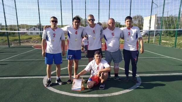 В Ленинском районе прошел районный турнир по волейболу