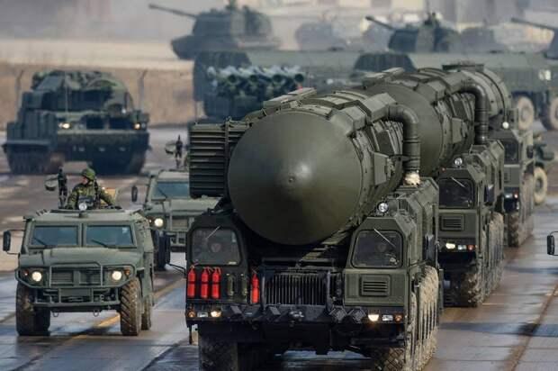 Одна из сильнейших: военный эксперт оценил мощь России