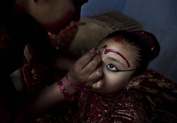 Ритуальный макияж богини, девушки, непал