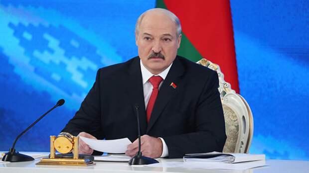 Лукашенко осудил белорусскую оппозицию за призывы ввести санкции против Минска