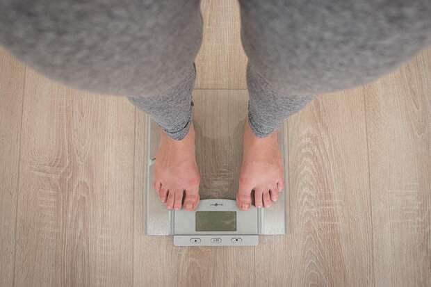 Медики объяснили, какая потеря веса после COVID-19 считается нормой
