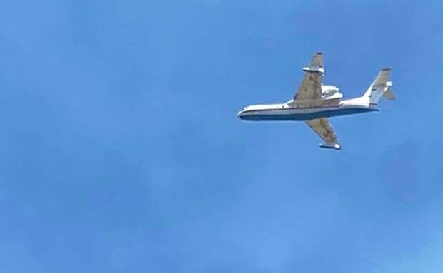 На фото: многоцелевой самолет-амфибия Бе-200