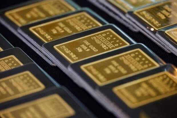 Gold bars are pictured on display at Korea Gold Exchange in Seoul, South Korea, August 6, 2020. REUTERS/Kim Hong-Ji