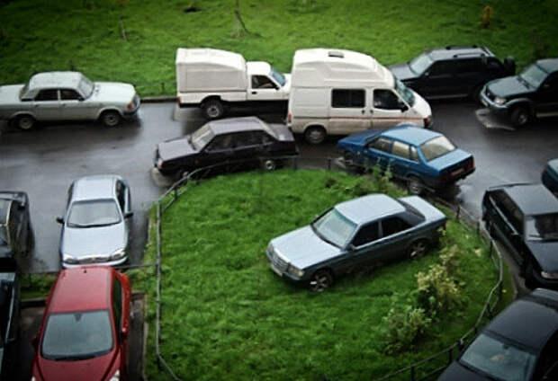Власти Москвы все же запретят парковку во дворах в скором времени