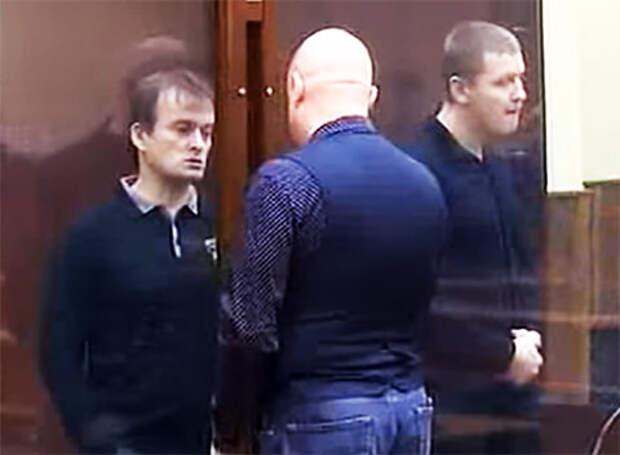 Олег Шаманин и участник его ОПГ Долгодворов в суде