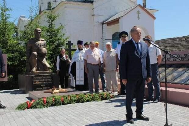 В селе Кривополянье открыли новый мемориальный комплекс