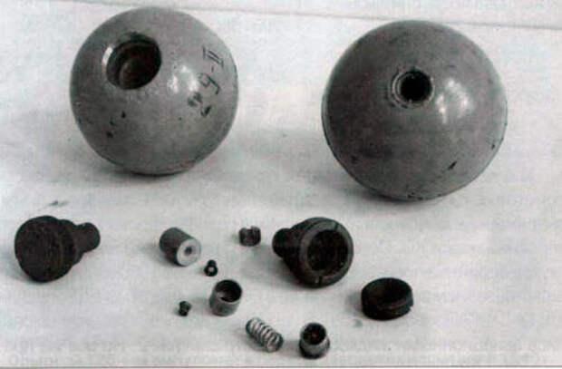 Зажигательные шары Сталинских соколов.