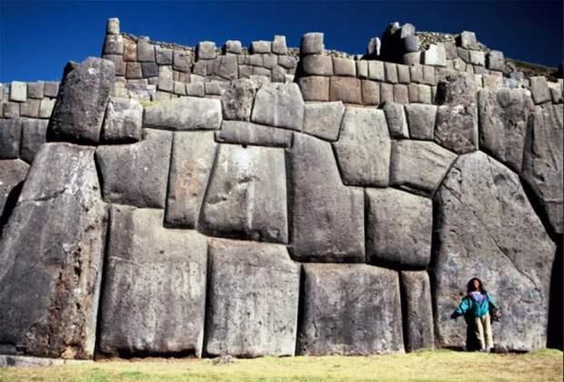 Стены и башни Саксайуамана Куско Перу