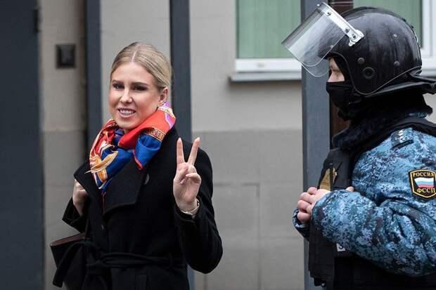 Суд взыскал с Любови Соболь миллион рублей по двум искам Пригожина