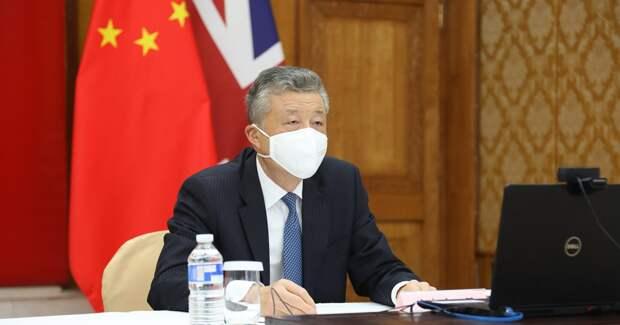 Китайский дипломат лайкнул порно в Twitter. Власти КНР требуют провести расследование