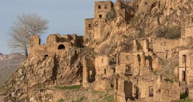 В 2015 году здесь умер последний житель. Село-призрак в России, которое сравнивают с Мачу-Пикчу