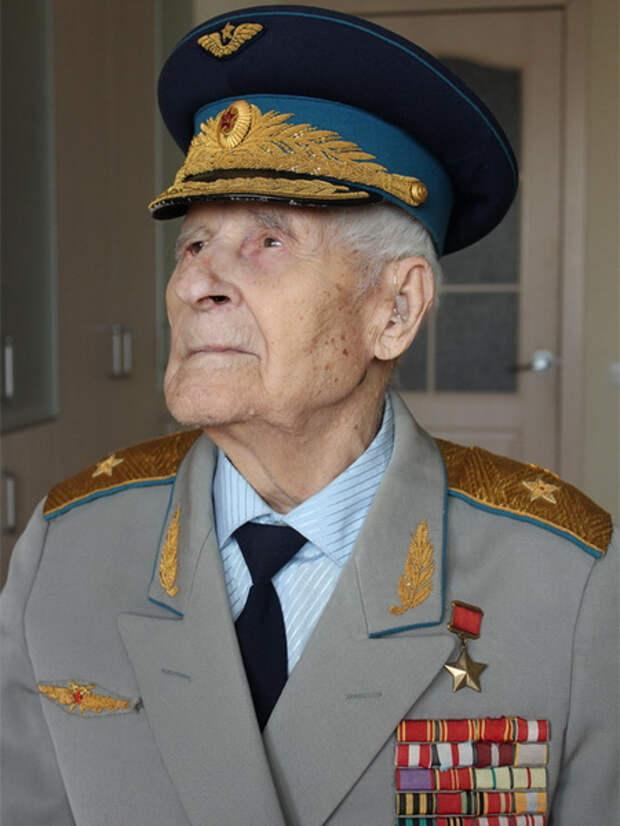 Жуган Николай Павлович - Советский Военачальник - Биография