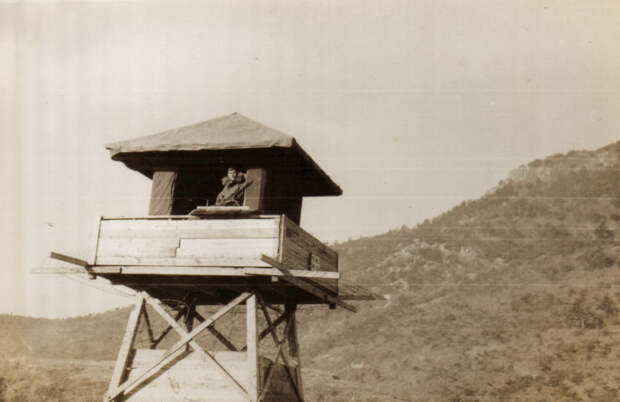 guard_tower_at_koje-do.jpg