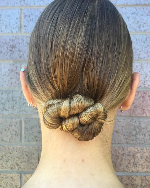 Не успела помыть голову: 10 простых причёсок для модных, но ленивых