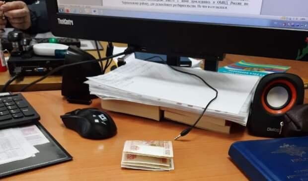 Торговец сыром пытался подкупить полицейского за 30 тысяч в Ростовской области