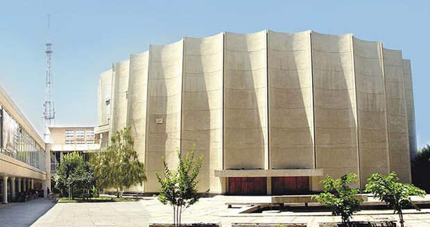 Дворец искусств (Дворец Кино) в Ташкенте.