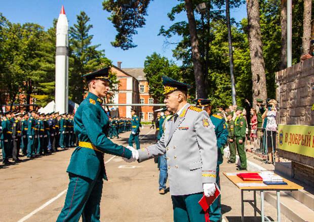 В Филиале Военной академии РВСН имени Петра Великого состоялся выпуск офицеров и прапорщиков