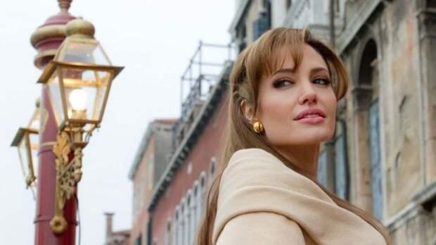 """Появился трейлер фильма """"Те, кто желает мне смерти"""" с Анджелиной Джоли"""