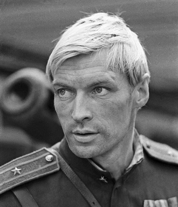 Кинокрасавец Николай Олялин