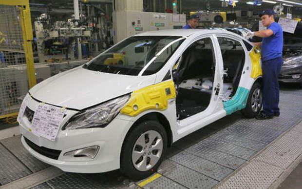 Росстат посчитал, насколько снизилось производство автомобилей в РФ в 2016 году