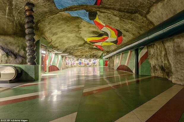 Станция Kungsträdgården галерея, метро, метрополитен, метрополитены мира, подземка, стокгольм, художественная выставка, швеция