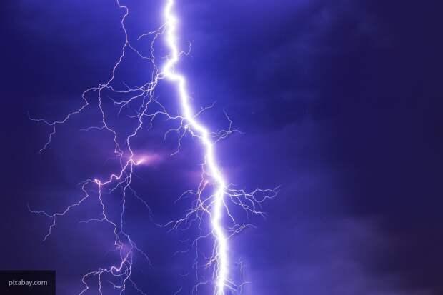 Искусственный интеллект научился предсказывать место удара молнии