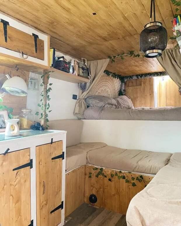 Бросив квартиру, девушка стала жить в фургоне и экономить кучу денег