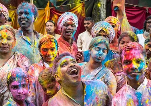 Праздник весны и красок в Индии
