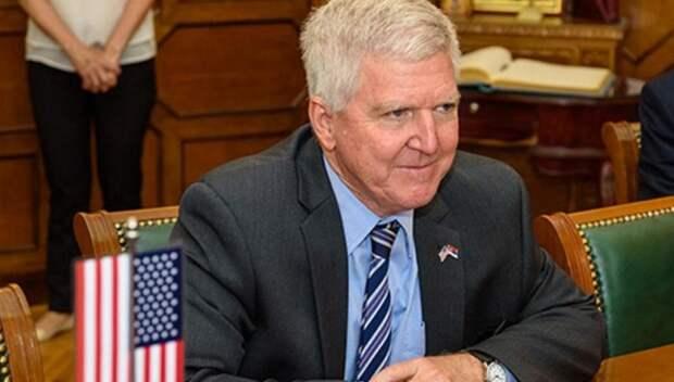 В Сербии американский посол оскандалился перед студентами