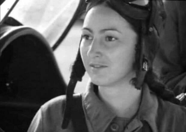 Додо Чоговадзе, кадр из фильма «В небе «ночные ведьмы»». / Фото: www.yandex.net