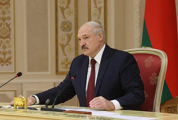 Лукашенко поздравил украинцев сДнём Победы набелорусском языке