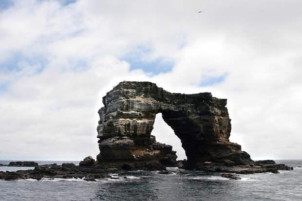 Обрушилась в море известная достопримечательность Галапагоссов