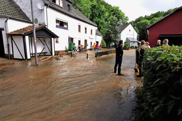 Названа причина большого числа жертв при наводнениях в Европе