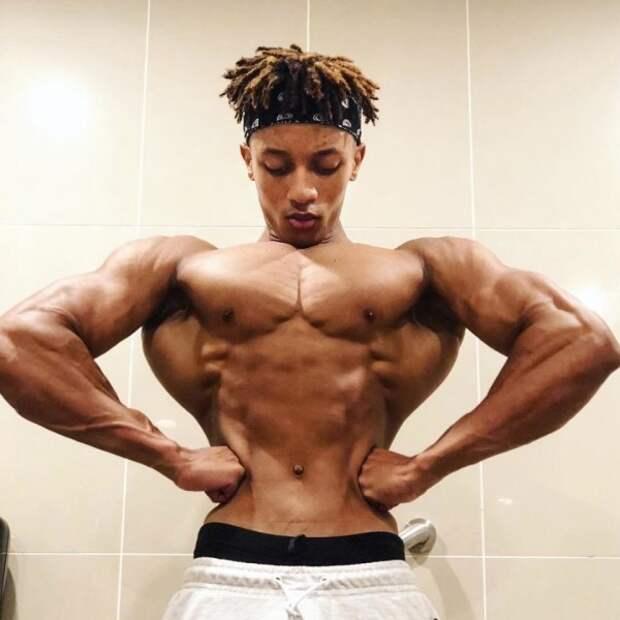 В Сети обсуждают юношу с «абсурдным телом» (ФОТО)