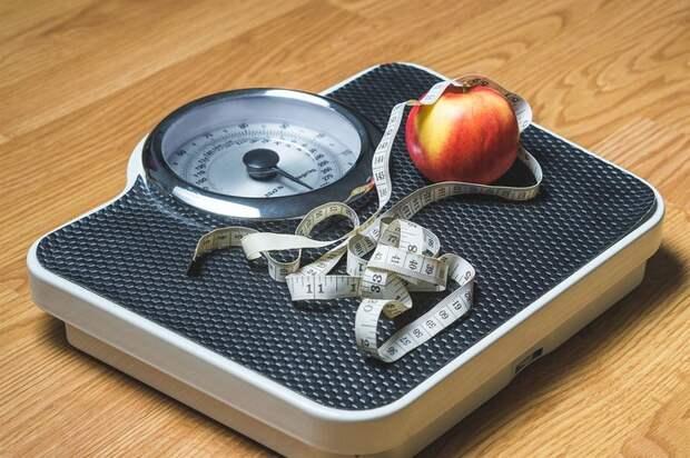 Врач назвала пять причин неожиданного набора веса