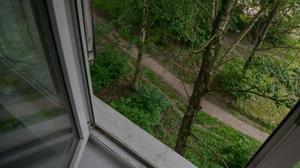 Трехлетний мальчик выпал из окна квартиры в Мордовии