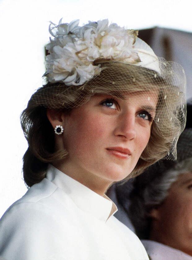 Из-за личной драмы принцесса Диана отказалась носить обувь от Chanel